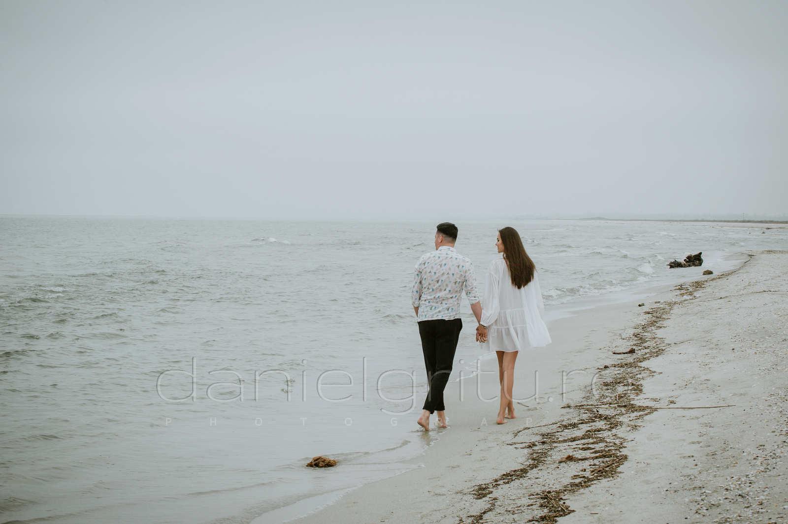 sedinta foto de cuplu la mare